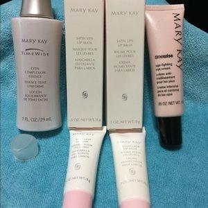 Mary Kay Makeup - Mary Kay Lip, and Skin Bundle